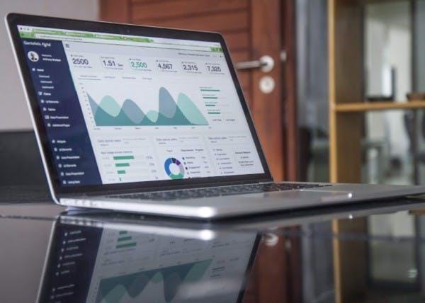 STUDILMU Career Advice - Pertanyaan yang Tepat untuk Meminta Analis Data