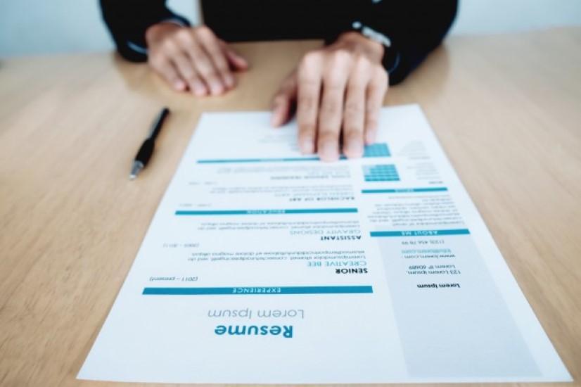 Perbedaan CV dan Resume
