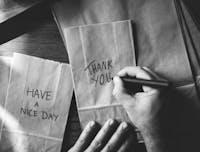 4 Cara Menyampaikan Rasa Terima Kasih