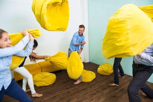 3 Kiat Ketika Anda Merasa Diabaikan di Tempat Kerja