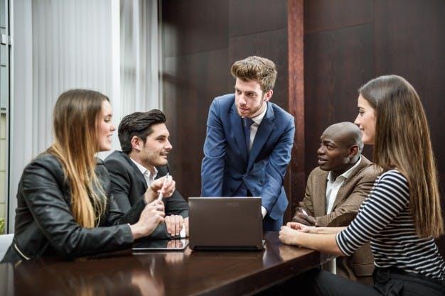 STUDILMU Career Advice - 3 Pilihan Kata Bagi Seorang Pemimpin