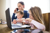 4 Saran Untuk Para Orang Tua Yang Bekerja