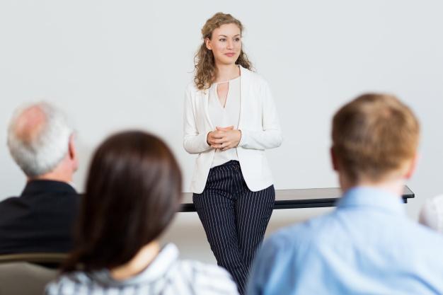 STUDILMU Career Advice - Untuk Memberi Presentasi yang Hebat, Saring Pesan Anda Menjadi 15 Kata Saja