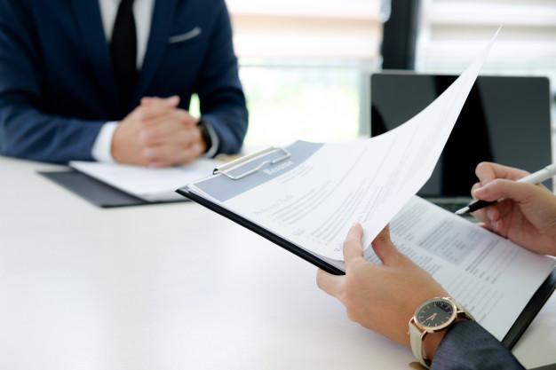 STUDILMU Career Advice - 4 Perbedaan LinkedIn dan Resume