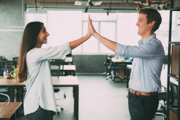 STUDILMU Career Advice - Ingin Mencapai Karir Cemerlang? Ini caranya