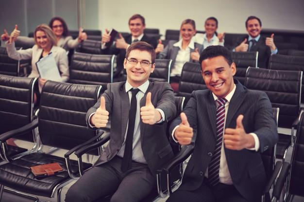 STUDILMU Career Advice - 5 Tips Penting Ketika Menghadiri Konferensi. Tips ke-5 Membuat Bahagia.