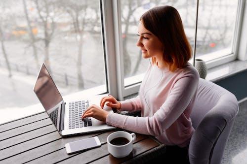 5 Manfaat Utama Pendidikan Online