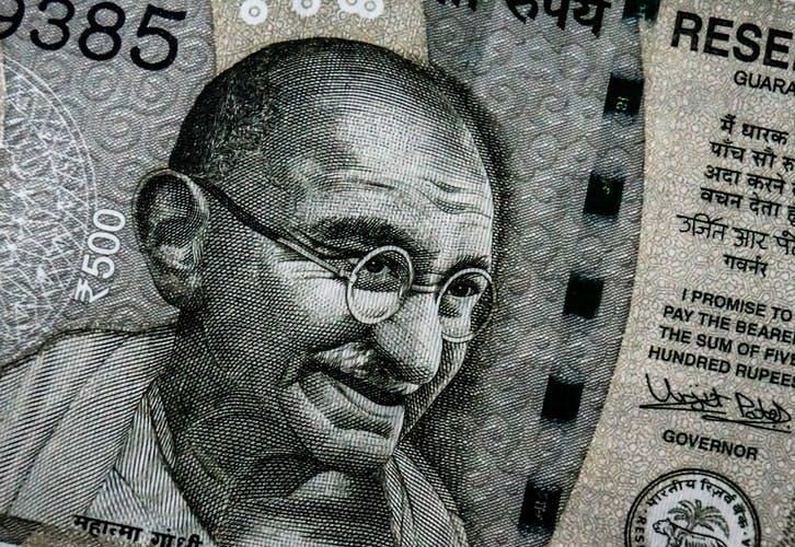 STUDILMU Career Advice - Mahatma Gandhi: Cara Mempengaruhi Orang Lain