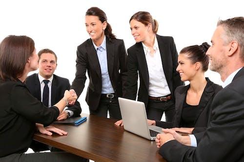 Cara Meningkatkan Efektivitas Komunikasi dengan Rekan Kerja Virtual Anda