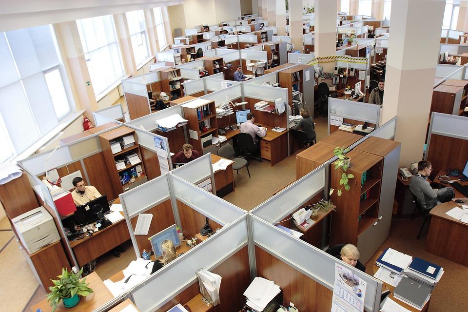 STUDILMU Career Advice - 3 Tips Menjalin hubungan Baik dengan Rekan Kerja