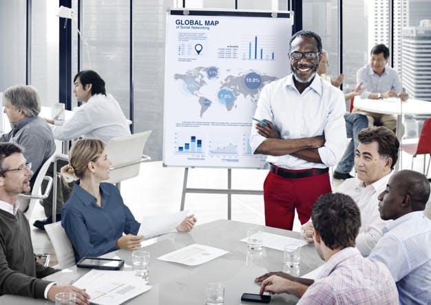 STUDILMU Career Advice - 4 Cara Menghadapi Rekan Kerja yang Bertindak Seperti Atasan