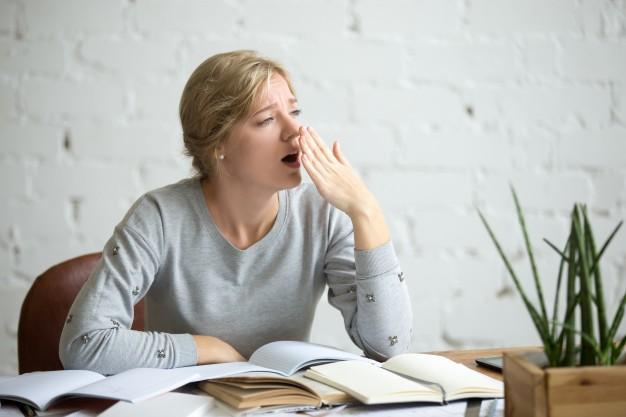 STUDILMU Career Advice - 4 Cara Menyelesaikan Tugas Kantor yang Membosankan