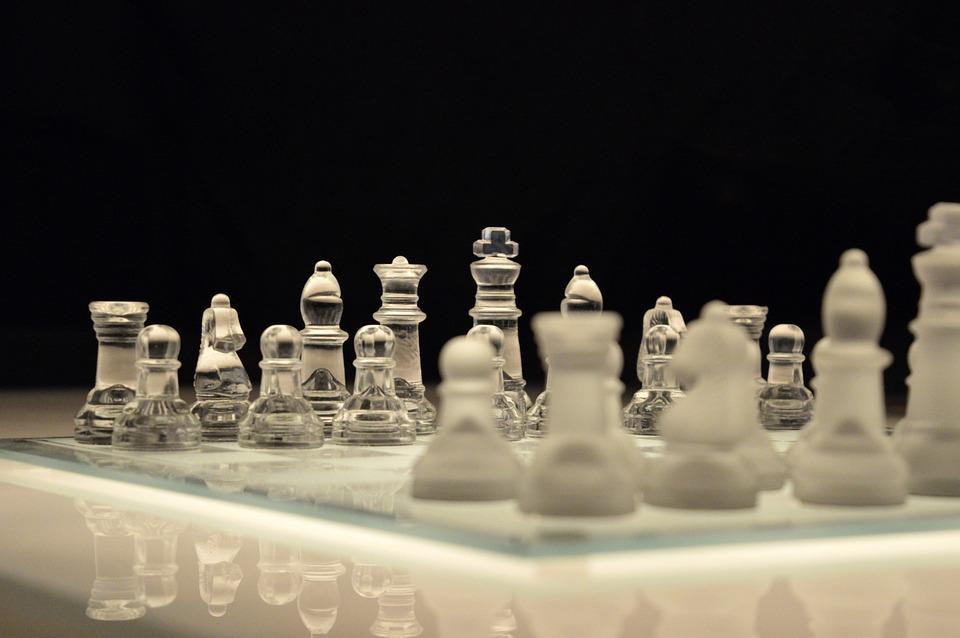 Pendekatan Kepemimpinan: Pemimpin Baik atau Pemimpin Keras?
