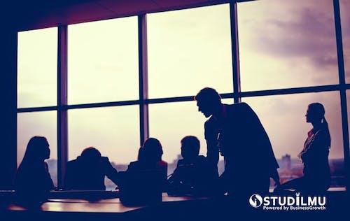 8 Cara Membuat Rapat Kerja Lebih Menyenangkan