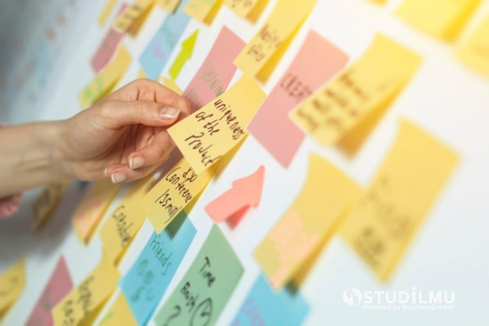STUDILMU Career Advice - Seni Memfasilitasi Rapat Kerja dengan Post-it Kecil