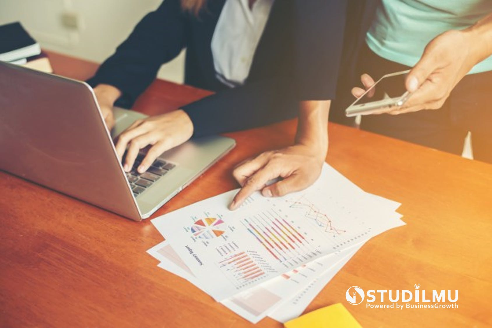 STUDILMU Career Advice - 15 Tips Menyampaikan Umpan Balik Konstruktif
