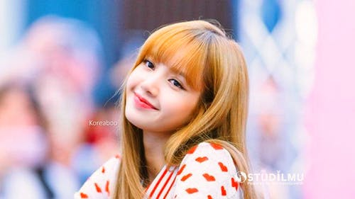 8 Tips Kesuksesan Karier Ala Lisa Blackpink