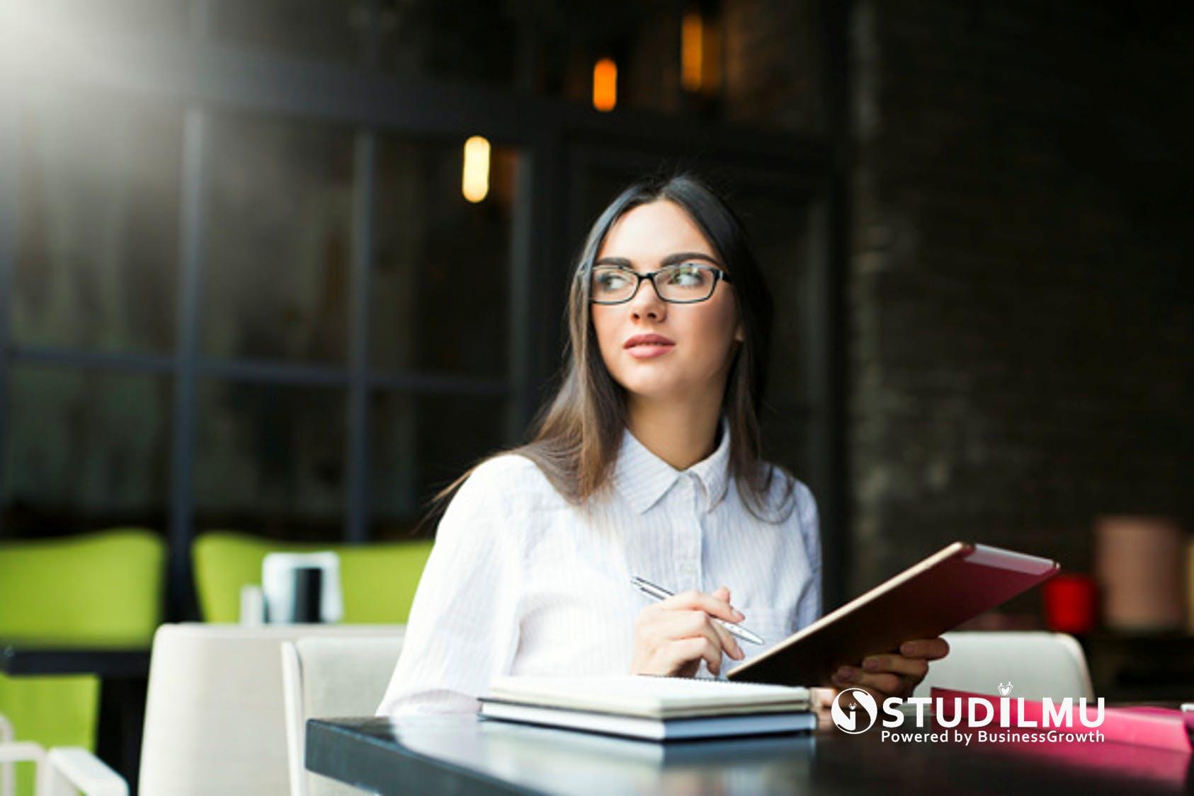 STUDILMU Career Advice - Definisi Sukses bagi Wanita Karier
