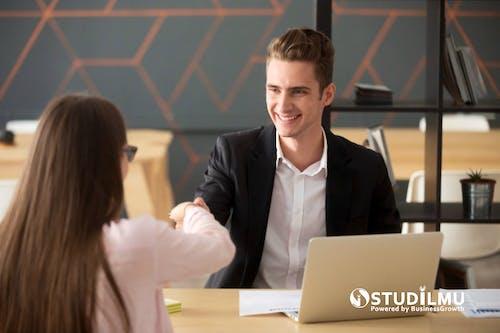 4 Tips Menghadapi Wawancara Kerja