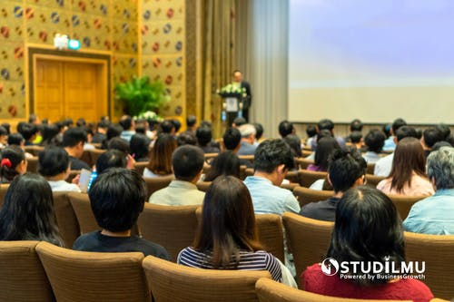 Sikap Profesional Executive Presence Di Dalam Setiap Rapat