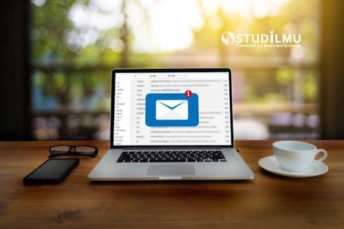8 Cara Tetap Fokus Kerja tanpa Terganggu dengan Email
