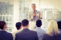 4 Cara Berbicara di Depan Umum tanpa Rasa Takut