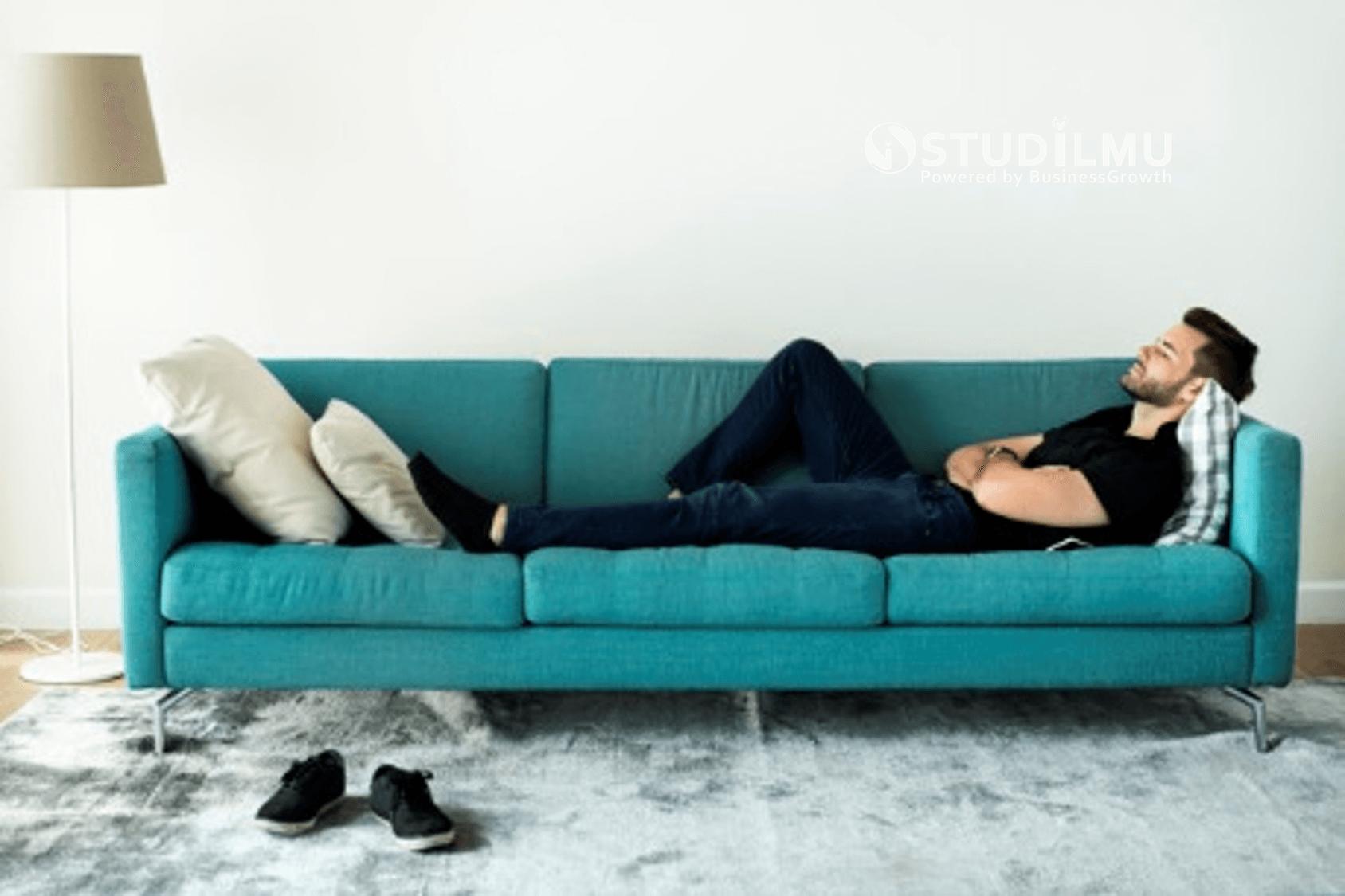 STUDILMU Career Advice - 10 Tanda Lelah Bekerja dan Perlu Beristirahat
