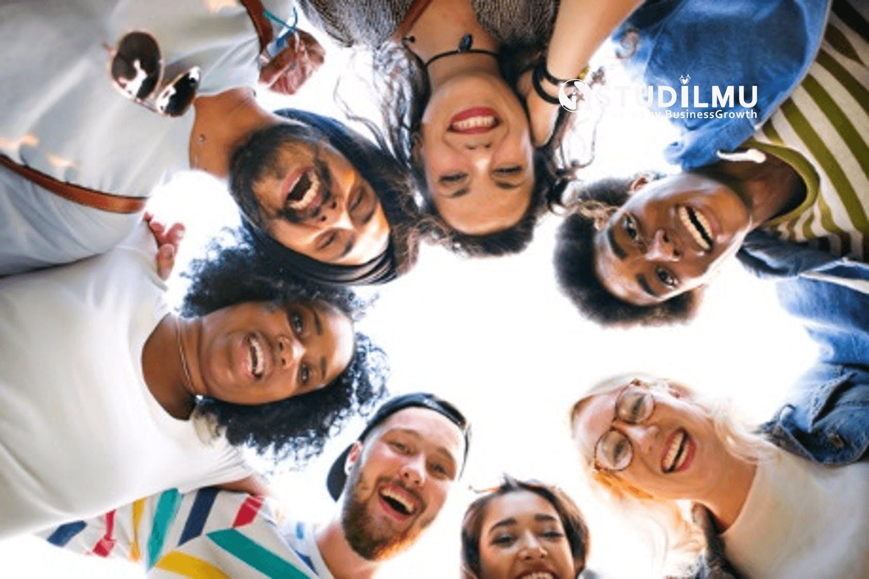 STUDILMU Career Advice - 20 Cara Hidup Bahagia tanpa Beban