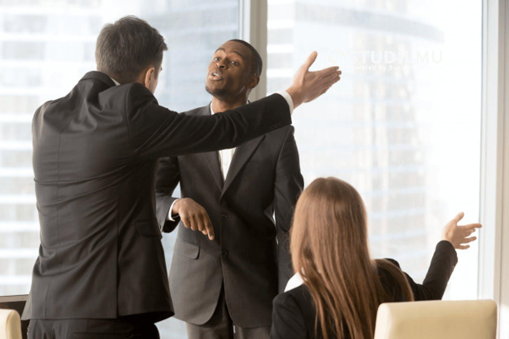 STUDILMU Career Advice - 4 Strategi Mengatasi Konflik