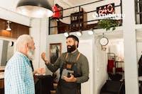 8 Tips Membangun Hubungan yang Baik dengan Klien