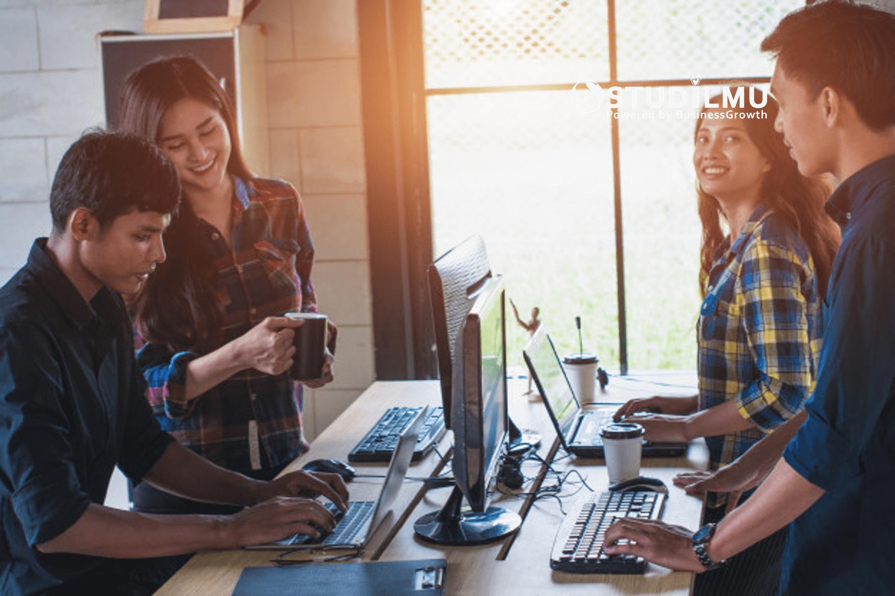 STUDILMU Career Advice - 5 Cara Menghadapi Rekan Kerja yang Lebih Muda