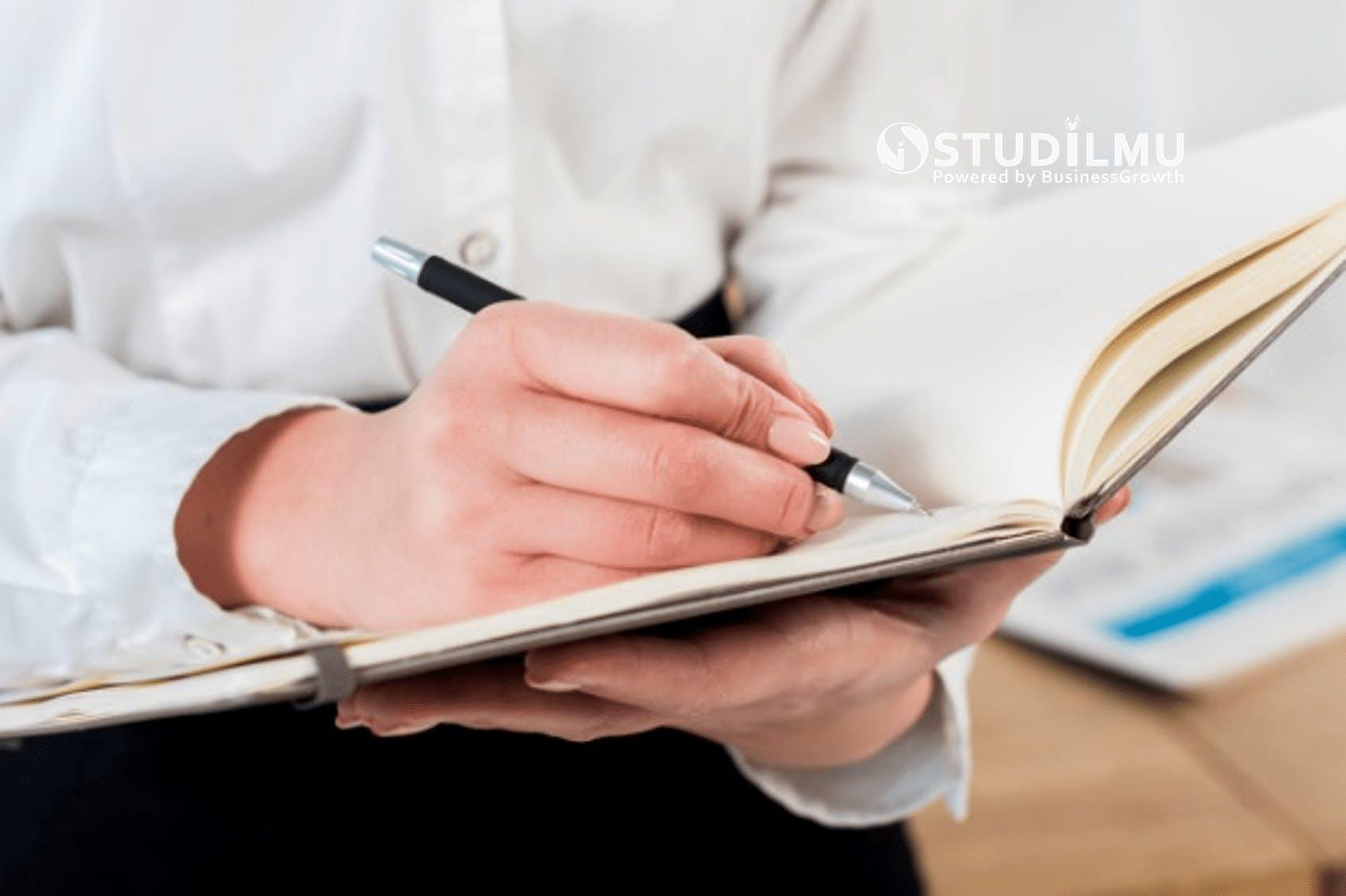 STUDILMU Career Advice - 6 Manfaat Menulis Jurnal Harian