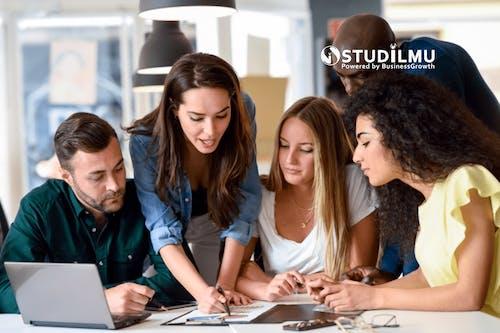 3 Langkah Mengajarkan Orang Lain Cara Kerja yang Baik dengan Bisnis Kita