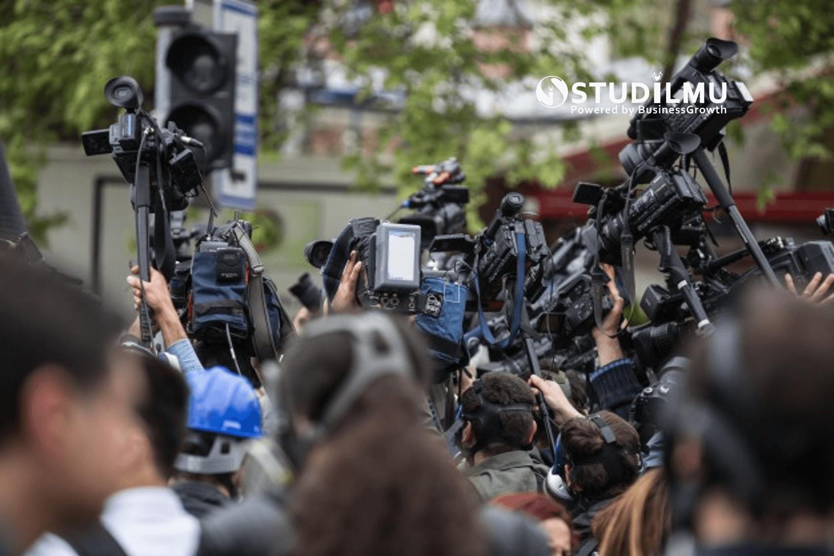 STUDILMU Career Advice - Pembahasan Politik di Lingkungan Kerja