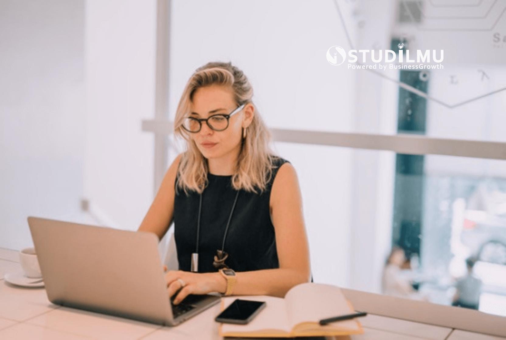 STUDILMU Career Advice - 5 Cara Meningkatkan Etika Kerja di Perusahaan Indonesia