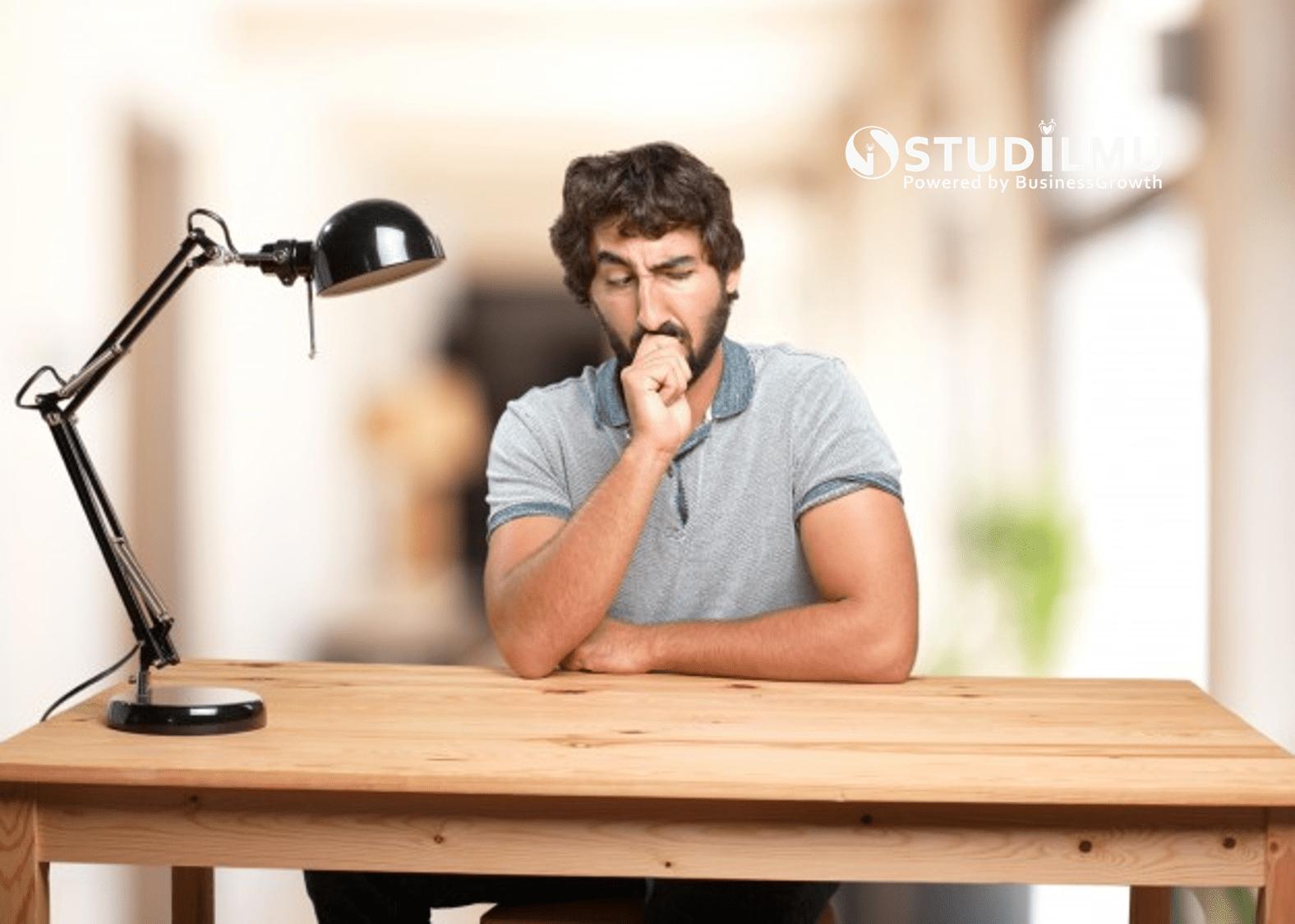 STUDILMU Career Advice - 3 Pikiran Negatif yang Menghambat Kebahagiaan dalam Karier