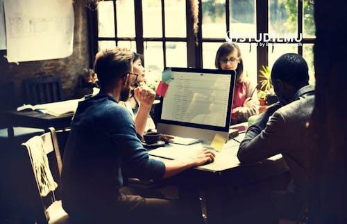 Strategi Pemasaran E-mail untuk Generasi Milenial