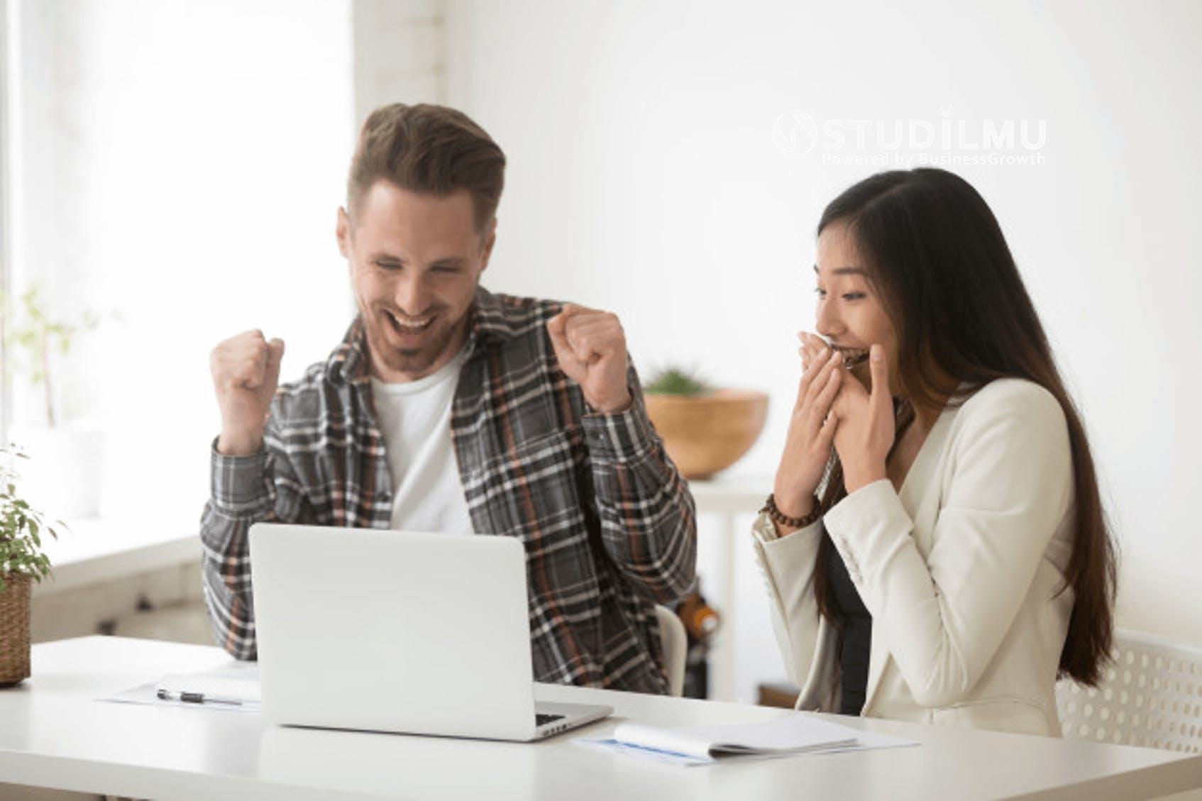 STUDILMU Career Advice - 7 Cara Menciptakan Kebahagiaan di Lingkungan Kerja