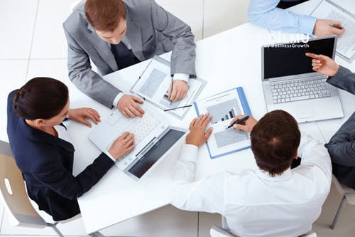 8 Aturan Dasar yang penting diterapkan di dalam Rapat Kerja