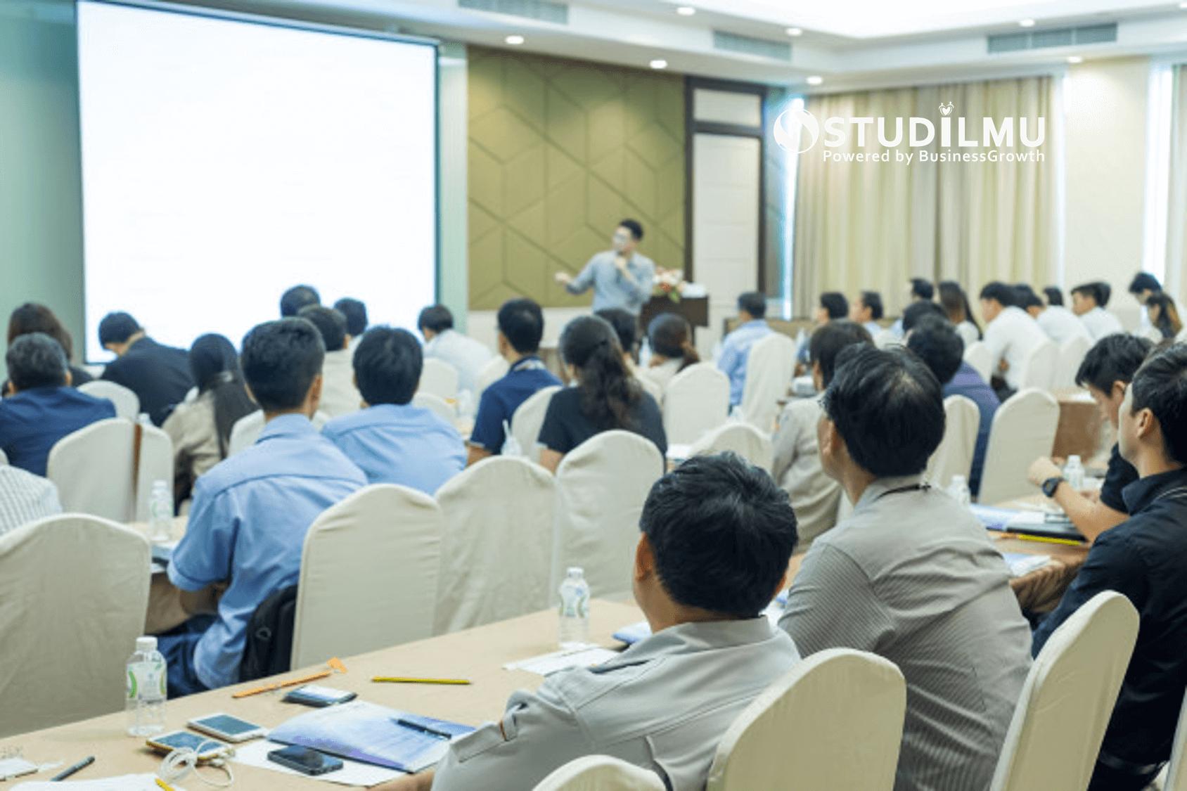 STUDILMU Career Advice - 6 Cara Penyampaian yang Baik dalam Public Speaking