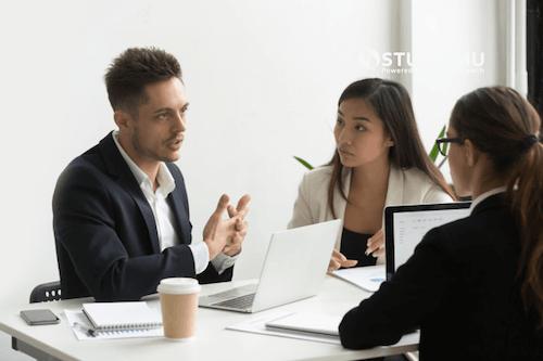 4 Keterampilan Komunikasi untuk Mengikat Hati Milenial di Perusahaan