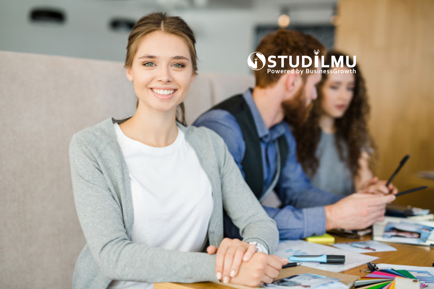 STUDILMU Career Advice - 3 Cara Meraih Kebahagiaan dengan Menerima Diri Sendiri Apa Adanya