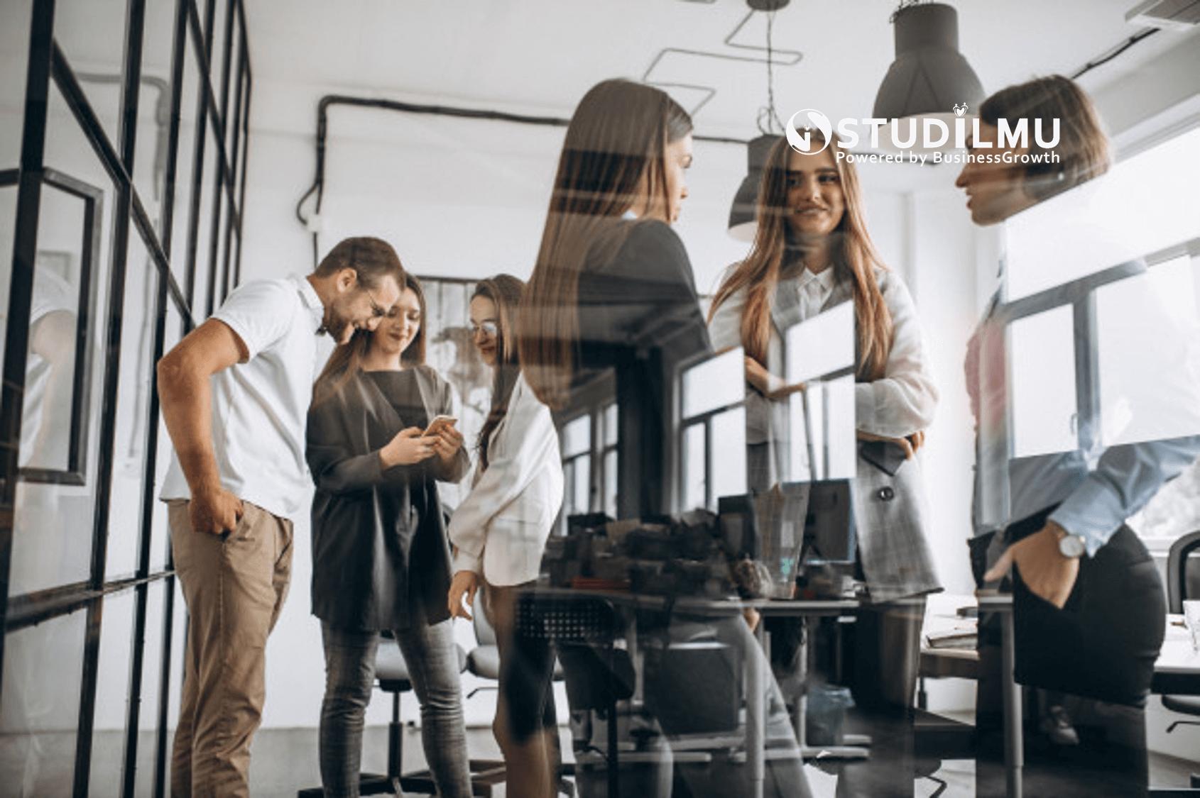 STUDILMU Career Advice - Contoh Komunikasi Verbal dan Non-verbal dalam Dunia Kerja
