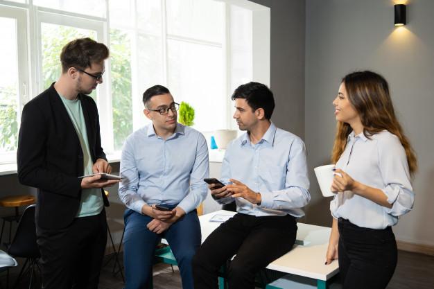 STUDILMU Career Advice - 4 Cara Sukses Menjadi Karyawan Termuda Di Kantor