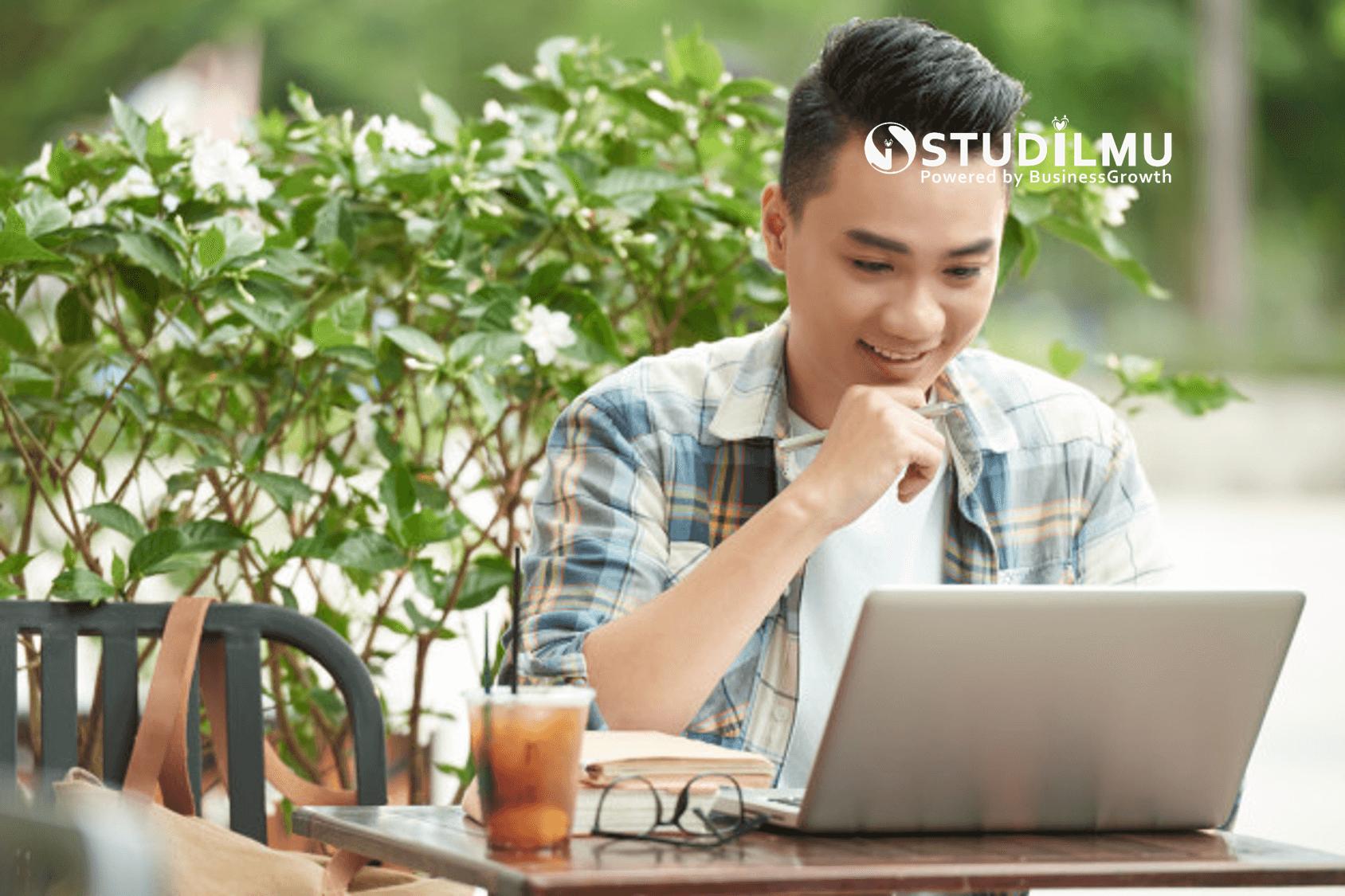STUDILMU Career Advice - Kerja Online: Pengertian, Manfaat dan Contoh Kerja Online