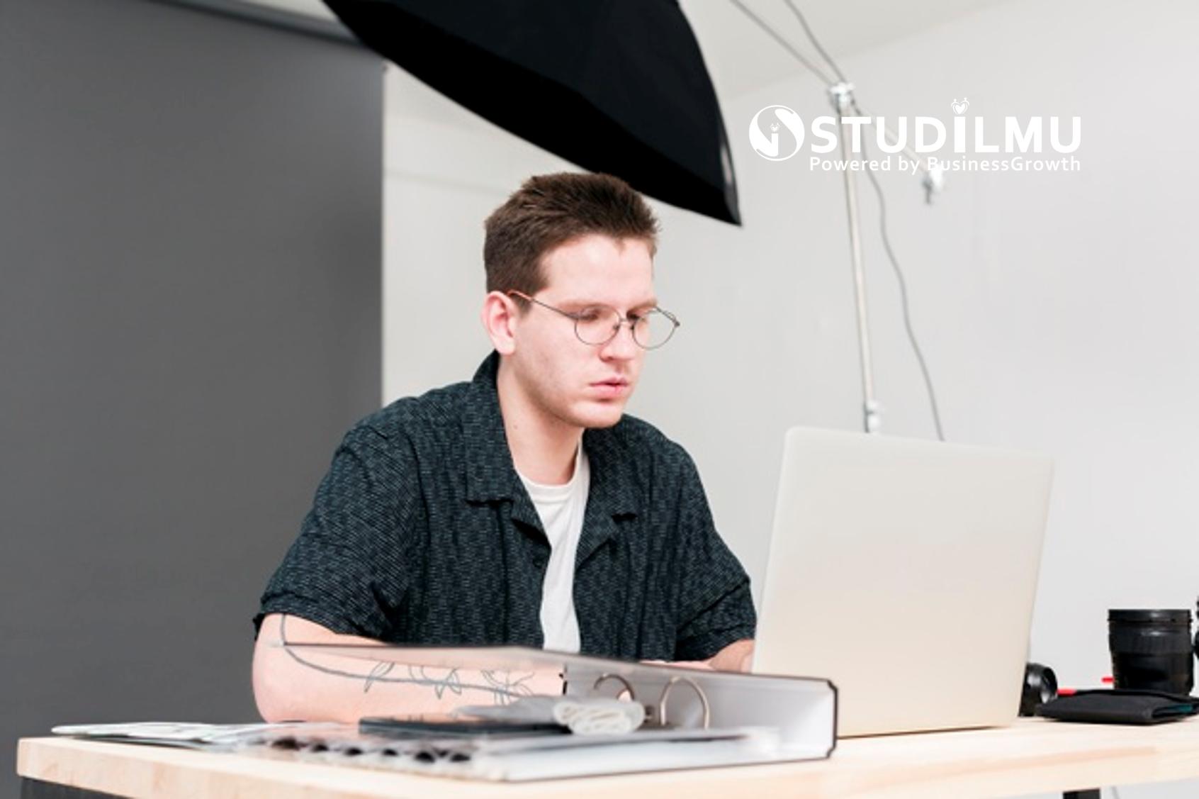 STUDILMU Career Advice - Bekerja di Luar Passion? Siapa Takut!
